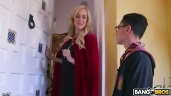 Cruelly beautiful MILF Brandi Love wishes to fuck this wizard