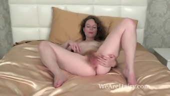 Ana Molly tape naked to really masturbate on your bed