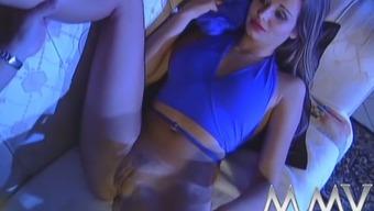 Sexy bitch gives cherished blowjob and fucks like sex-crazy