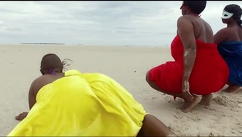 Africa females twerking , finest in the world