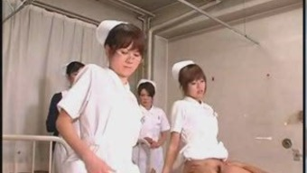 Japanese Apprentice Dentists Courses and Practice
