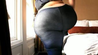ssbbw pear latina in leggings