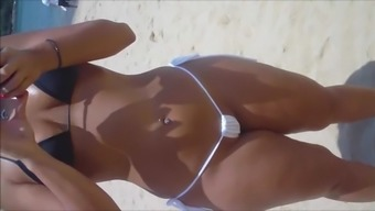 Spy and Voyeur Heated spiteful lady pussy at the coast