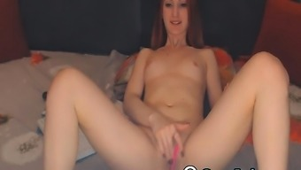 Beautiful Blonde Dame Finger Fuck Her Pussy