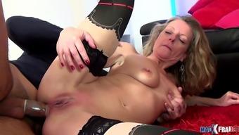 Milf cocue se venge fulfillm faisant enculer dans un porno