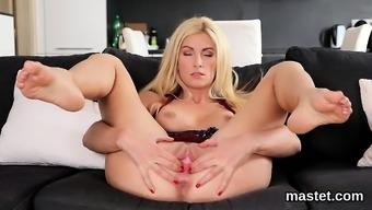 Twisted czech young adult gapes her boldly colored twat towards the strange