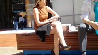 Company lady on lunchtime split - CANDID Both legs