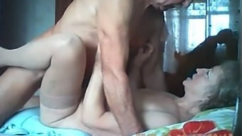 Grow older unusual number of having fine love-making on web camera with their bedroom