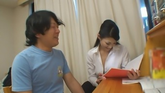 Dude gets a little more than help to his research from sizzling instructor gal