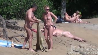 Bare Seaside Blowjob Filmed By Spycam