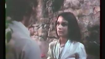 Standard French language : Hard Completely love (Jeunes filles perverses - 1975)