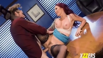 monique alexander in serious incline group building xercise