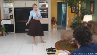 Jodi European - Your desired Mom is Hot