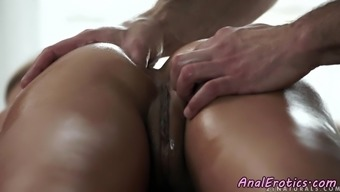 Fascinating attractiveness massaged and anally drilled