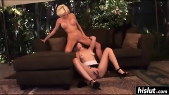 Warm lesbian blondes make some sixty-nine