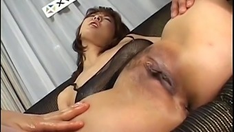 Ryo Hirase Oriental game in threesome gets felt over and banged