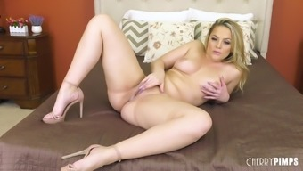 Alexis Texas takes off her pink bra and panties and approach herself