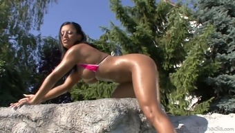 Outdoor pounding session with appealing missy Kyra Black