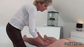Cheating british mature girl sonia shows her large ju