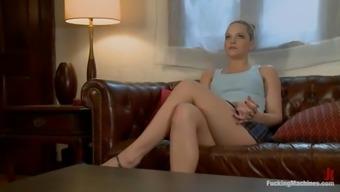 Alexis Texas gets stunningly fucked to actually orgasm through a intercourse machine