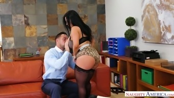 Big breasted suntanned desk staff Sheridan Completely love gives actually wonderful BJ