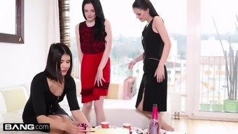 Anie Darling, Girl Dee and Archangel in exotic lesbian threesome