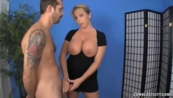 Milf Rests A Males Who exactly Hasnt Managed to have a Sperm Release For A few weeks