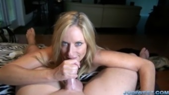 Jodi West in StepMother's Welcome Residence HandJob