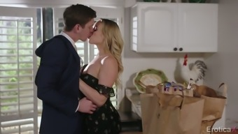 Delightful housewife Mia Malkova gets her pussy fucked with the cooking