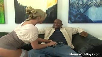MILF Glendale az Marie No Panty Interracial Love-making