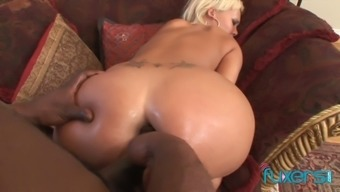 Mandingo fucks mean pale chicken and also makes her anus lengthened