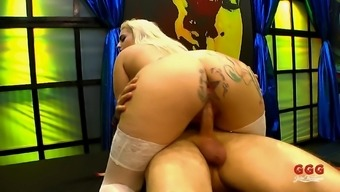 Don't miss this bukkake action with Candela X and Silvia