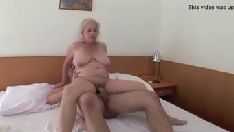 Ayntritli sicak mature vubado seks