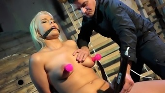 Trimmed babe cums during NT and BDSM fetish