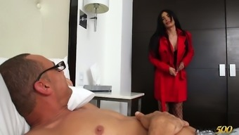 Big bottomed and fake tittied shemale Valeria Danae is fucked in stretched anus