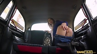 Teenager gets laid with the cab driver on her way to college