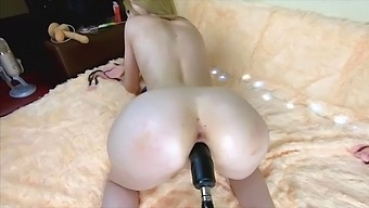 Sweet girl want lollipop & cum