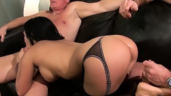 4k Foursome Fucking Ends With CIM For Amanda Black