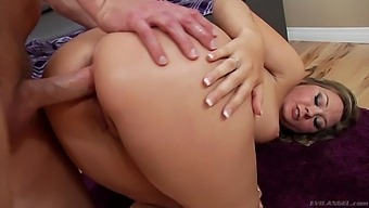 Hottie with juicy ass Addison Lee gives a deepthroat blowjob and gets fucked hard
