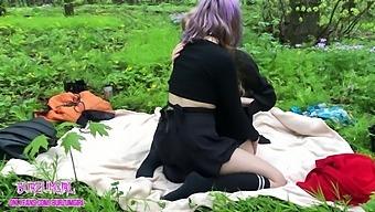 Public threesome in the park