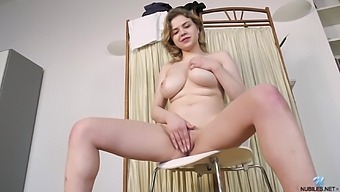 Bella Breeze is a curvy example of perfection and this babe loves masturbating