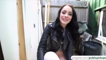 giggly dark alessa savage flashes pussy for money