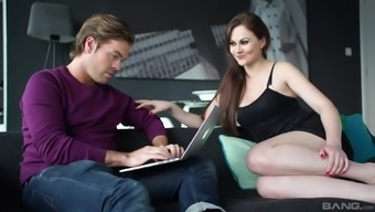 Amber Nevada cannot refrain from a generous man's pulsating dick