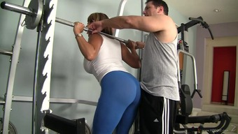 Astounding sex by using Ava Devine for her blessed fitness center instrucor