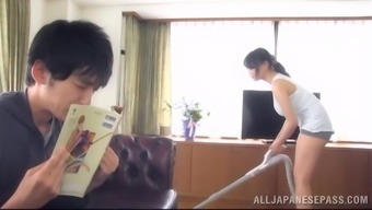 Sizzling Japanese girl encourages an individual play with her large organic titties