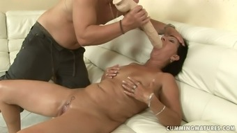 Wrecked blonde mature squirts getting her grasp fisted