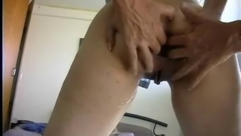 Ridiculous anal fisting and squirting