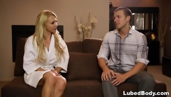trade massage sex with the use of alix lynx