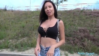 Public Provider Sexy Traveller Gets Multiple Peaks in Car