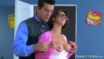 Alice Lighthouse sucks some teacher cock - Brazzers